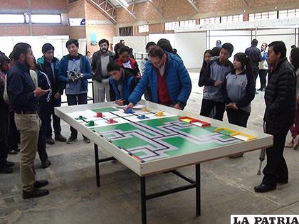 Estudiantes de distintas unidades educativas participaron de éste espacio científico