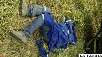 El cuerpo de una de las víctimas fatales