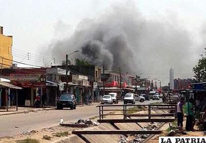 El humo del incendio se veía desde lejos /Redes Sociales