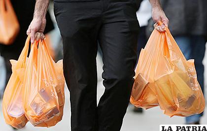 Se busca evitar que se continúe contaminando el medio ambiente por el excesivo uso de bolsas /MUNDOPOSITIVO.COM