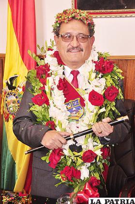 Bazán fue el último en poseer el bastón municipal