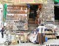 Los puestos de venta muestran las illas que son entregadas a la Pachamama en el ritual de agosto /El Diario