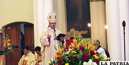 Obispo pide avanzar como sociedad sin dejar de lado la moral /LA PATRIA