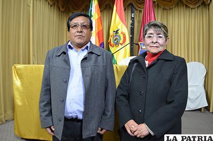 Luis Llanque y Ana Siles son fundadores de los Tinkus Tolkas /LA PATRIA /Johan Romero