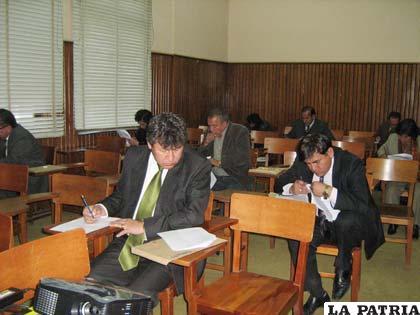 Fiscales durante la evaluación