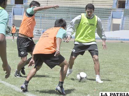 Durante el entrenamiento de San José