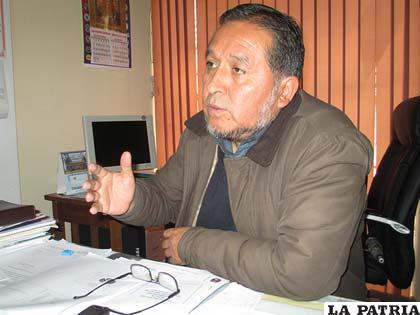 El presidente de los Profesionales de Oruro, Carlos Antezana