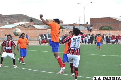 8 de Septiembre goleó a Corque FC