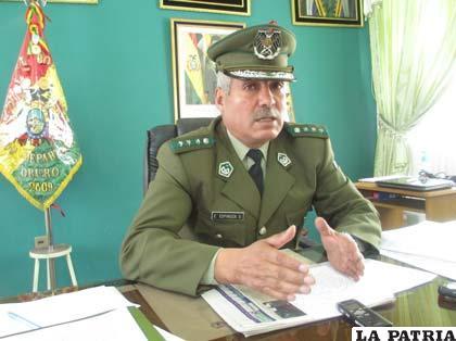 El nuevo comandante de Policía, coronel Edwin Espinoza