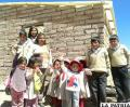 Niños que reciben capacitación en agricultura