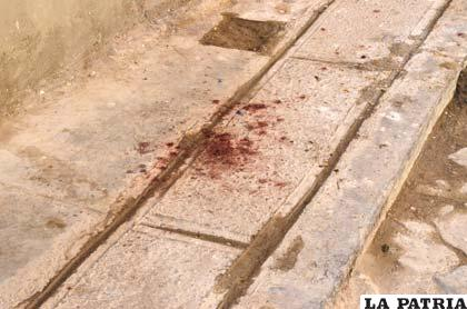 En el lugar todavía se encontraban manchas de sangre