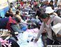 Venta de ropa en la Súper Feria