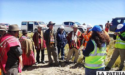 Comunarios son informados sobre trabajos en la Doble Vía