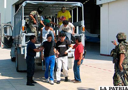 Personas indocumentadas que fueron rescatadas /muropolitico.mx