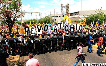 Jornada de jueves se marcó por multitudinarias marchas en Venezuela /lblogdemontaner.com