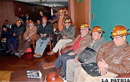 El sector cooperativo minero actualmente busca acercamiento con autoridades de Gobierno, para restablecer un diálogo que no comenzó por los lamentables hechos ocurrido en Panduro