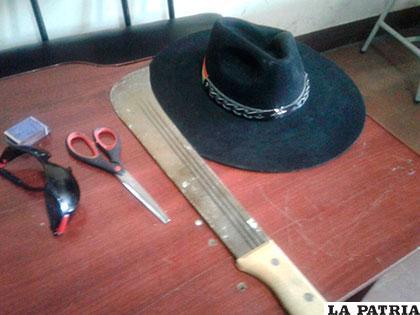 Arma y otros elementos empleados durante el ilícito