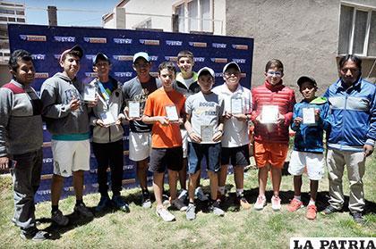 Los vencedores en varones 14 y 18 años