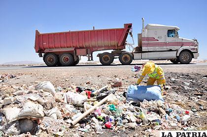 La iniciativa permitió en la primera jornada de limpieza, trasladar siete volquetas de basura