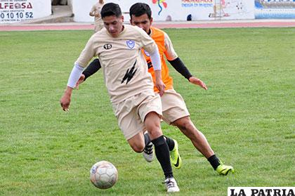 Ariel Juárez forma parte del onceno titular