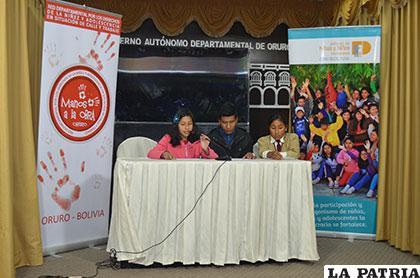 Miembros del Comité Departamental Niño, Niña y Adolescente, en la conferencia de prensa, ayer