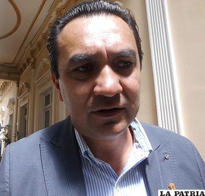 Yerko Núñez, senador de Unidad Demócrata /annbolivia.info