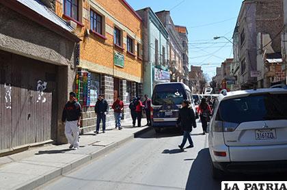 La calle La Plata se convirtió en un botín para los antisociales