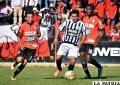 Abdón Reyes, de Deportivo Kala, con el balón /APG