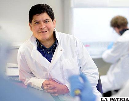 Fabricio Loayza, sigue cosechando frutos en busca de alternativas para curar el cáncer