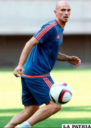 El centrocampista Esteban Cambiasso