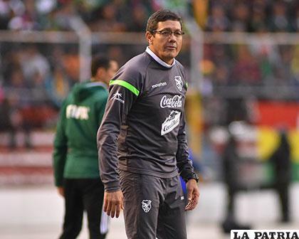 FIFA sancionó a Mauricio Soria por insultos en el duelo contra Chile