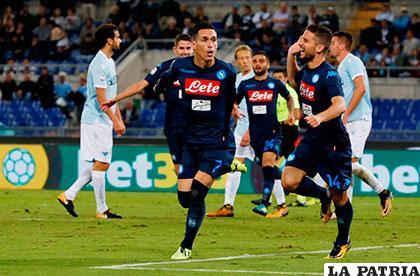 El belga Mertens  y el español Callejón anotaron en la victoria del Nápoles 4-1 en su visita a Lazio