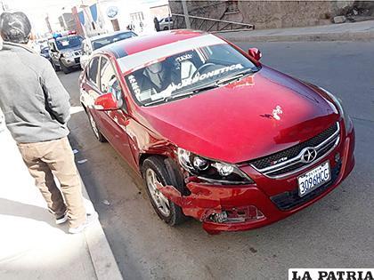 El vehículo se habría pasado el semáforo en rojo