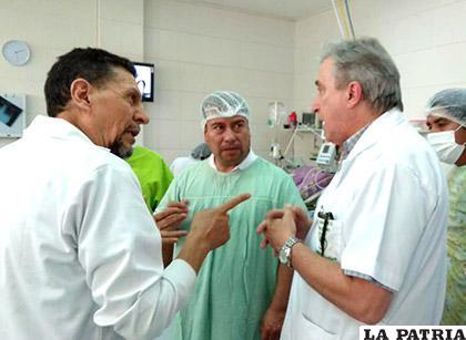 El médico permanece internado en un hospital por su delicado estado de salud /MINISTERIO DE SALUD