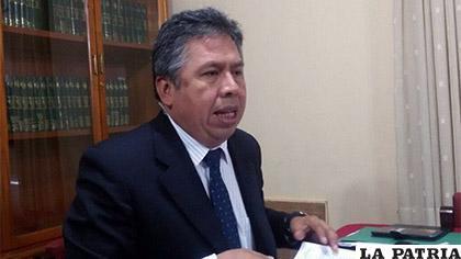 Luis Larrea, presidente del Colegio Médico de La Paz /ERBOL