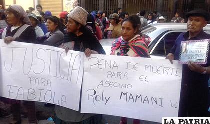 Familiares y amigos piden justicia por la muerte de Fabiola /LA PATRIA