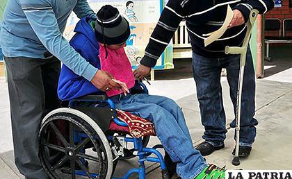 Los beneficiarios son personas con discapacidad y de bajos recursos económicos /ARCHIVO