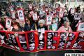 Familiares de las víctimas del golpe militar, durante la marcha que marca el 45 aniversario del infausto momento /jornada.com.mx