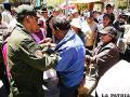 Vecinos de Cochiraya denuncian mal uso de sus firmas y agreden a exdirigente