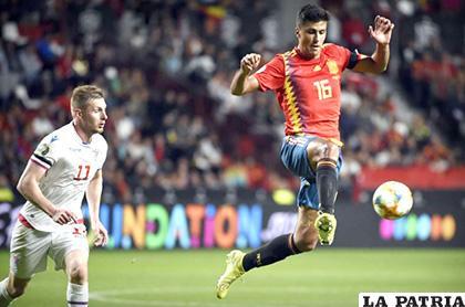 España despachó a Islas Feroe con una goleada de 4-0 /as.com