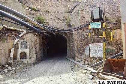 La estatal minera reporta baja producción en últimos meses por