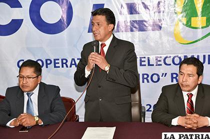 Integrantes del Consejo de Administración de Coteor en la conferencia /LA PATRIA