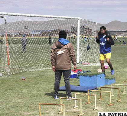 Mario Ovando en la acción bajo el mando de Leonardo Villegas /Carla Herrera /LA PATRIA