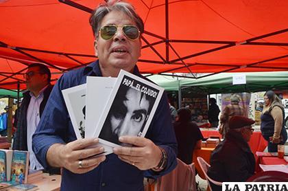 José Párraga promociona sus obras en Oruro /LA PATRIA /Johan Romero