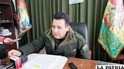 El director de la Felcc, coronel Manuel Vergara informó sobre el caso /LA PATRIA