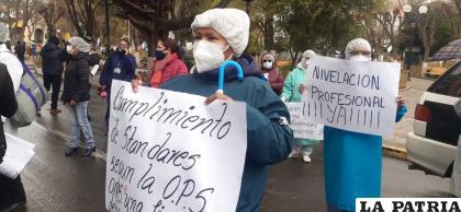 Ayer se movilizaron en puertas de la oficina regional de la CNS /LA PATRIA
