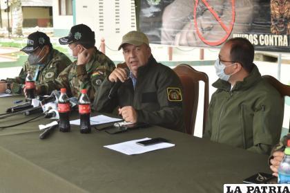 Las autoridades de Gobierno durante la conferencia de prensa /Felcn