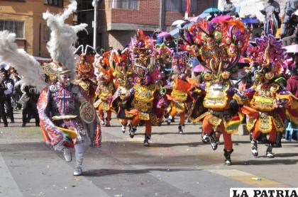 La Diablada boliviana y genuina del Carnaval de Oruro /LA PATRIA