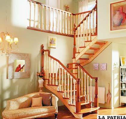 el toque de una buena escalera en casa