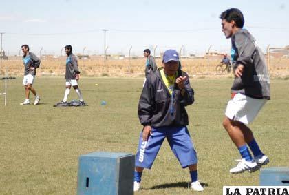 Cárdenas y Loayza en el entrenamiento de San José